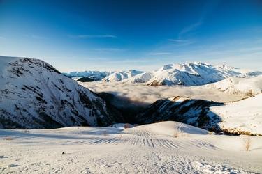 Les 2 alps francja - plakat premium wymiar do wyboru: 40x30 cm