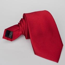 Czerwony krawat jedwabny, skośny splot