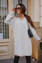 Swetrowa sukienka -tunika z dekoltem v - jasnoszary