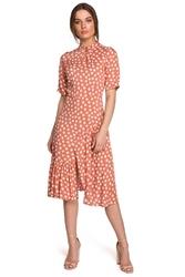 Sukienka w grochy z asymetryczną falbanką - łososiowa