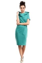 Zielona sukienka do kolan z dużym kapturem