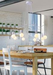 Bardzo duża lampa na osiem wiszących żarówek, na białych przewodach basso 38-71040