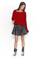 Swobodny czerwony sweter z dekoltem w szpic