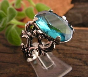 Nemi - srebrny pierścionek z akwamarynem