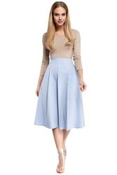 Lekko rozkloszowana spódnica midi z zakładkami i kieszeniami błękitna m302