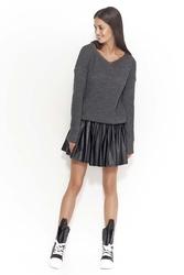 Swobodny grafitowy sweter z dekoltem w szpic