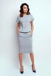 Nowoczesna szara sukienka midi z krótkim rękawkiem