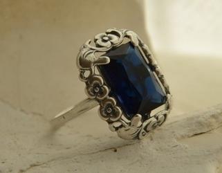 Calabria - srebrny pierścionek z szafirem