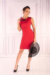 Dopasowana czerwona  sukienka bez rękawów z dodatkiem szyfonu