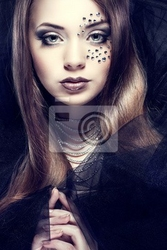 Obraz portret seksualnego piękne dziewczyny z strasses na twarzy,
