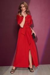 Czerwona długa dzianinowa sukienka w serek z paskiem