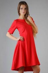 Czerwona elegancka rozkloszowana sukienka z wydłużonym tyłem