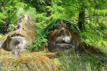 Fototapeta na ścianę postacie wydrążone ze skał fp 1672