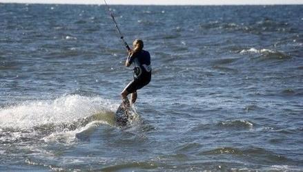 Szkolenia kitesurfingowe dla początkujących - władysławowo