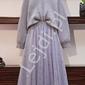 Komplet damski sweter oversize oraz tiulowa spódnica z perełkami