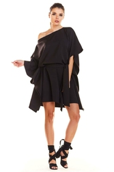 Kimonowa Czarna Sukienka z Paskiem
