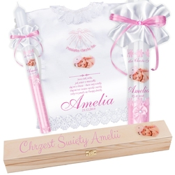 Świeca i szatka na chrzest różowa z pudełkiem pamiątka chrztu ze zdjęciem