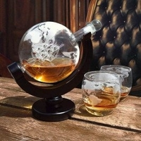 Karafka globus ze szklankami