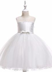 Biała tiulowa sukienka dla dziewczynki na komunię, do sypania kwiatków