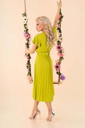 elegncka midi sukienka z plisowanym dołem - pistacjowa