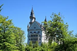 Fototapeta na ścianę odnowiony zamek wiosna fp 4338