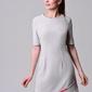 Skromna i wygodna sukienka ene w kolorze szarym