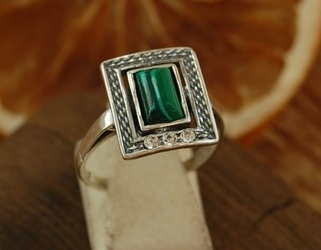 Llibre - srebrny pierścionek z malachitem