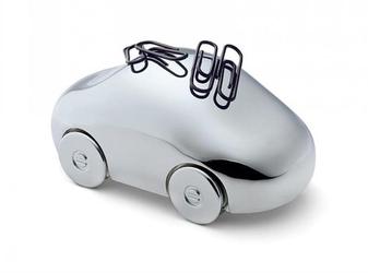 Magnetyczny samochód na spinacze
