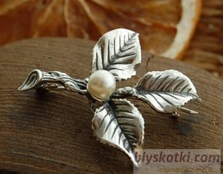 CLASICCO - srebrna broszka z perłą