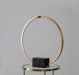 Pallero :: lampa stołowa oda