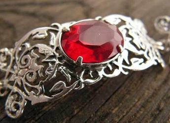 Sabotini - srebrna bransoletka z rubinem