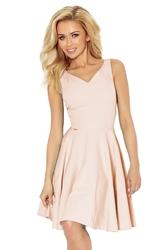 Jasnoróżowa sukienka elegancka rozkloszowana na szerokich ramiączkach