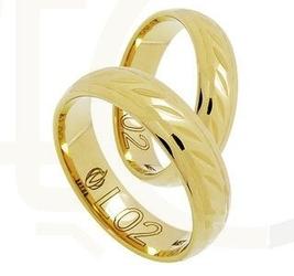 Delikatnie zdobiona obrączka z żółtego złota łl-02z-extra light-k