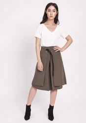 Khaki trapezowa spódnica z tasiemką z eko-skóry