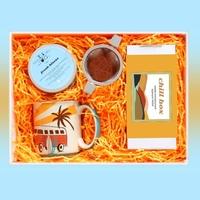 Zestaw prezentowy na wyjątkową okazję chillbox wschód słońca. zestaw 20 herbat różnego rodzaju i smaku 20x 58g, ziołowa mieszanka fresh kisses 130g, uroczy kubek i pojemny zaparzacz