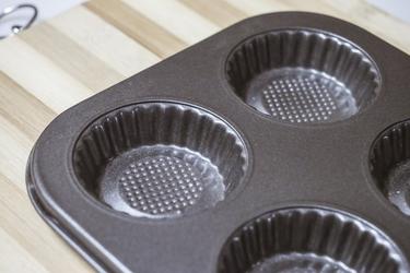 Forma na 6 muffinek 26 x 18 cm mix wzorów