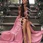 Różowa długa suknia z mieniącym brokatem, elizabeth brokat