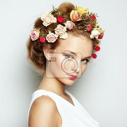 Obraz piękne kobiety z kwiatami. doskonałe skóry twarzy. portret beauty