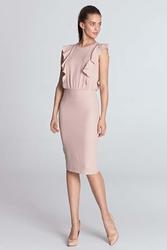 Różowa sukienka z pionowymi falbankami