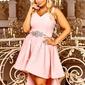 Brzoskwinowo różowa sukienka wieczorowa z wydłużonym tyłem arabella