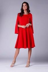 Czerwona sukienka midi z  wirującym dołem i rozciętym rękawem