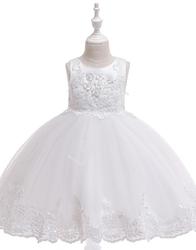 Biała śliczna sukienka na komunię zdobiona kwiatkami 3d i haftem 097