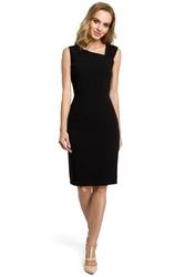 Krótka elegancka sukienka ołówkowa z asymetrycznym dekoltem czarna m397