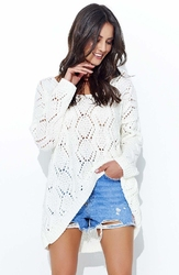 Ecru luźny sweter z szerokim dekoltem