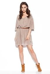 Swetrowa luźna sukienka z ażurowym wzorem - latte