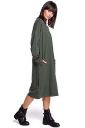 Zielona długa oversizowa sukienka z troczkami na dole