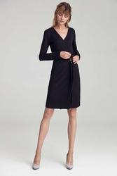 Czarna dzianinowa sukienka z zakładanym dekoltem