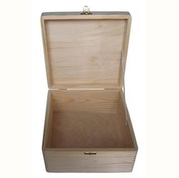 Drewniane pudełko z zapięciem 24x24x12,5 cm - 24x24