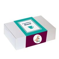 Zestaw prezentowy na wyjątkową okazję box for boys. herbata owocowa cherry smile 120g, jabłkowy szejk 170g, kubek z zaparzaczem w bajkowe dinozaury oraz kolorowe czekoladki