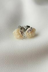 Kolczyki różyczki z kryształkami